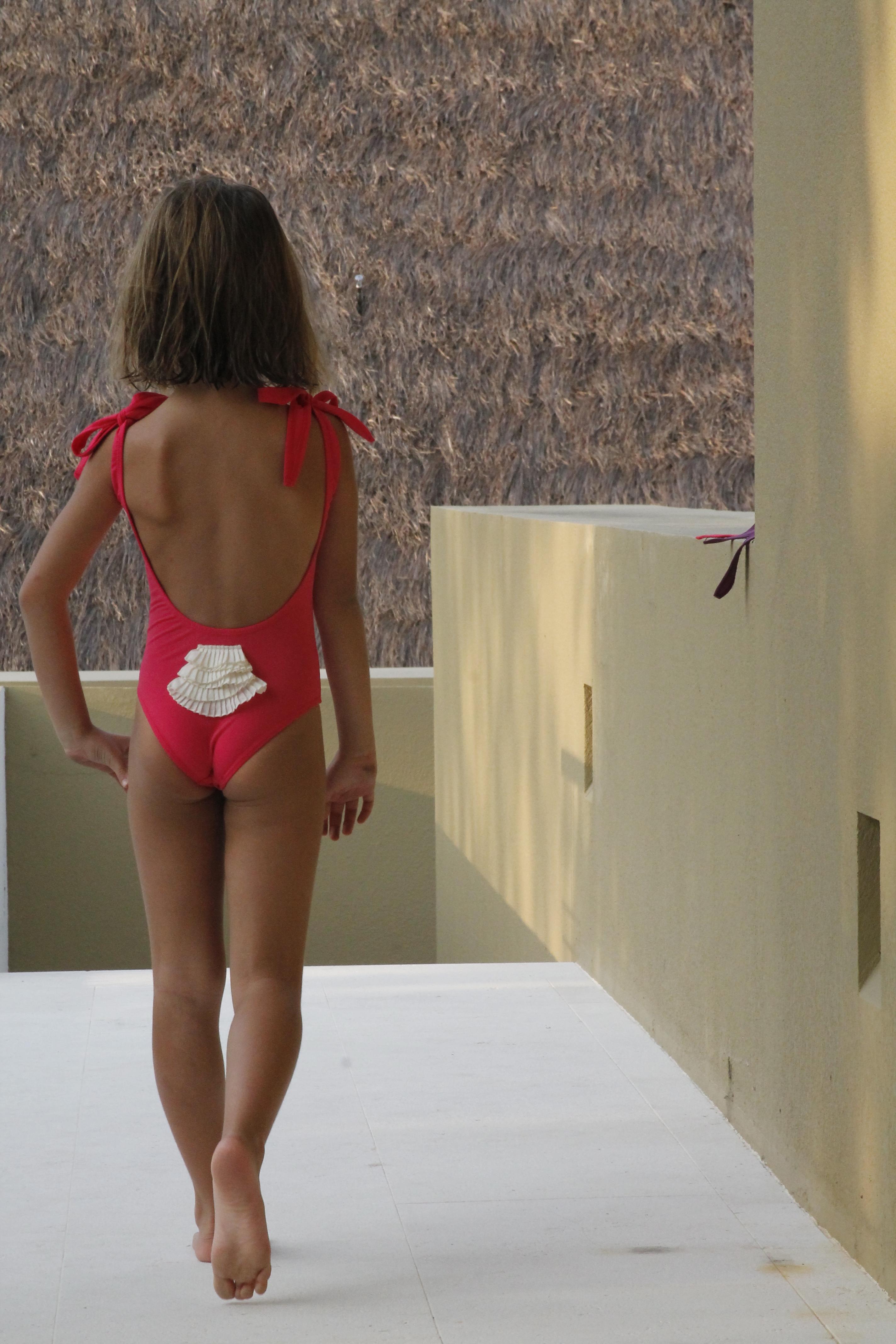 bañador niña Fres Pompon 01